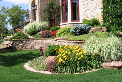 Simple outdoor landscaping designs ideas pictures and diy plans